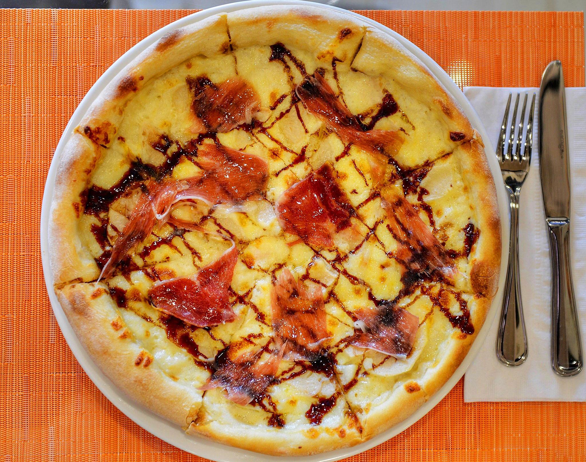 Juliette's Bistro - Pizza